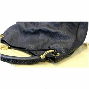 Louis Vuitton Bags - Louis Vuitton Artsy MM Empreinte Blue Shoulder Bag